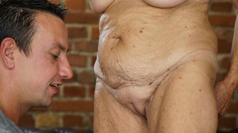 Oldestwomansex