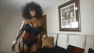 Mature ebony domina