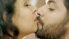 Amrutha Archana, Hot Saree, Navel