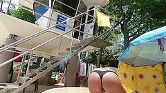 pupute en bikini ficelle