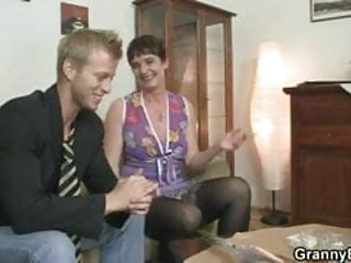 Dick getting stiff - Her hairy old cunt gets drilled by stiff dick