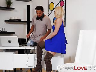 Tabs for asshole - Naughty blonde babe summer day stuffed with hard cock on tab