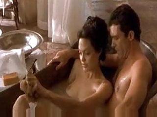 Angelina jolie and naked Angelina jolie and antonio banderas in pecado original