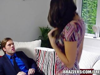 Off penis show - Brazzers - hot milf jane shows off her big tits