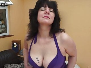 Cunt kinky mature Kinky uk mother with hungry old cunt