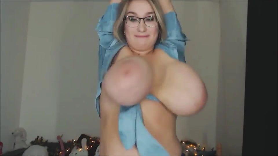 Bouncing Amateur Teen Tits