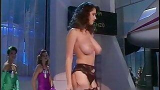 Vintage 80's huge natural tits striptease