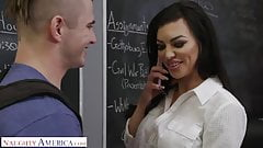 Naughty America Michelle Miller (Melissa Lynn) shows off her