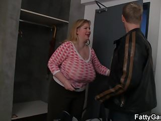 Chubby blonde videos Huge boobs chubby blonde rides cock