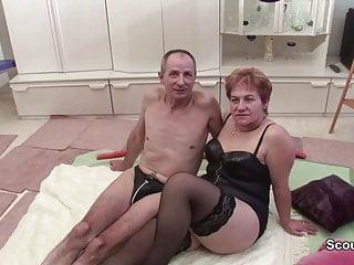 Free porno videos granny Oma und opa beim porno casting um rente aufzubessern