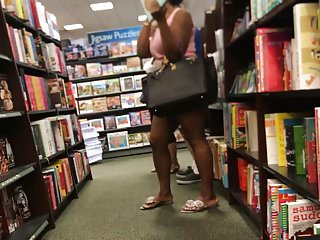 Phat ebony ass - Phat ass ebony poses for the camera