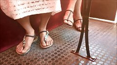 Candid piedi # 5 - ragazze filippine (faceshot)