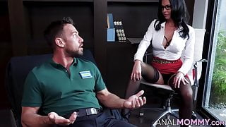 Gorgeous MILF therapist heals her client with her asshole