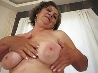 Cum over photos - Watch her milk big cock and make him cum over her dark bush