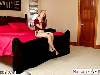 Housewife porn sexy Sexy housewife karla kush fucking in pov