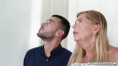 Young man fuck an hairy older slut