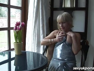 Studying late xxx - British milf jane bond frigs her fanny in the study
