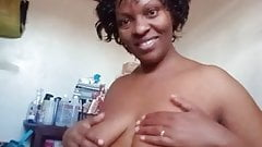 Wairimu-ESther --- my sexy horny tits