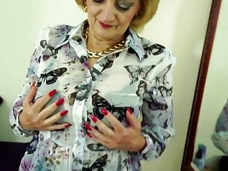 Moms vagina Kinky mature moms and grannies with thirsty vaginas
