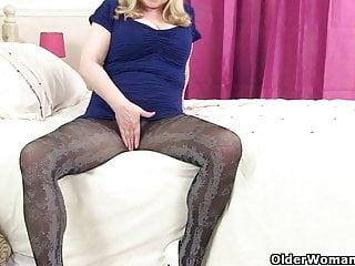 Amanda holden having sex British granny amanda degas has hot solo sex