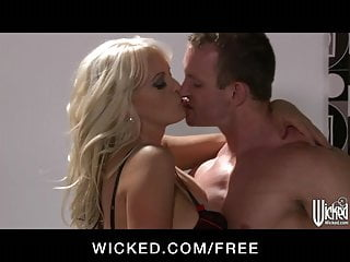 Stormy daniels fuck video Sexy blonde milf stormy daniels gets fucked hard to orgasm