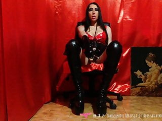 Women and penis forums - French mistress with pussy and penis spit - vends-ta-culotte