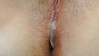 Who want to lick my milf creampied