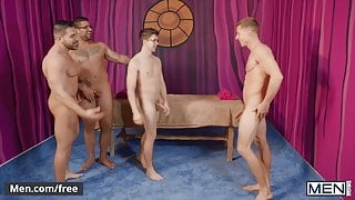 4way With Some Amazingly Good Looking Guys - Men.com
