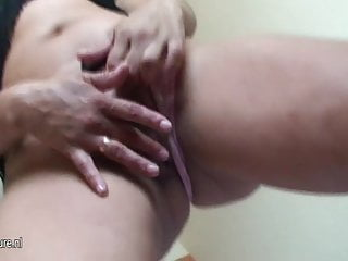 Mature peeing whore - Mature mom erica loves to pee and play with herself