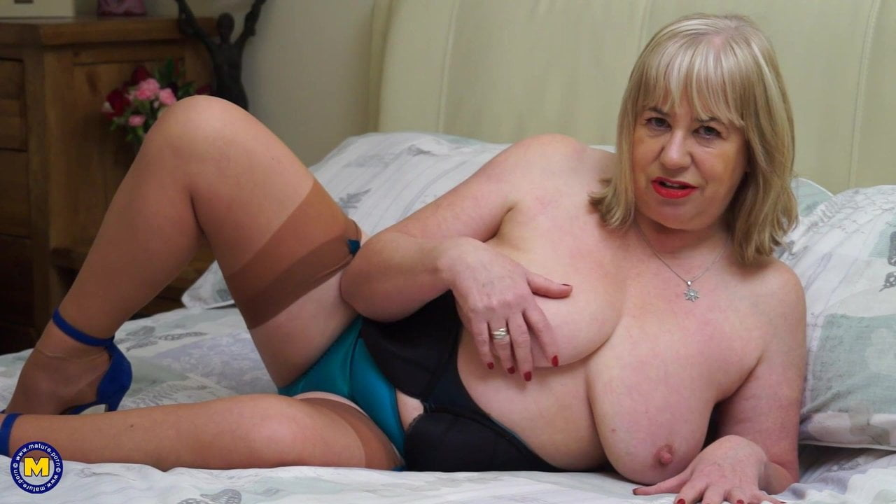Free download & watch busty grandmother wants your cock now          porn movies