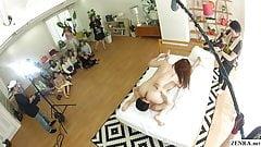 Esposas japonesas reales se reúnen y miran la filmación real de jav