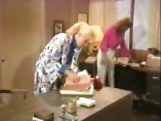 Free online lesbian clip Another 1980s lesbian clip