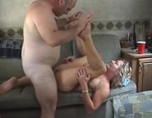 Amateur seks in de caravan