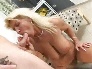 Hairy action video - Mature renate a.k.a. betina in action
