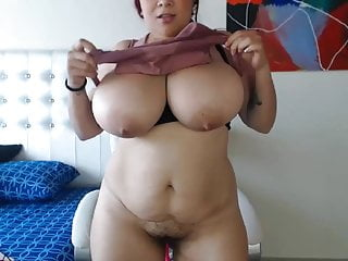 Xxx lactating natural boobs - Huge boobs sucking her own milk on webcam