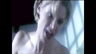 Amy's Orgasm  2001- julie Bowen