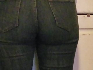 Best ass tight jeans The best latina ass candid tight jeans