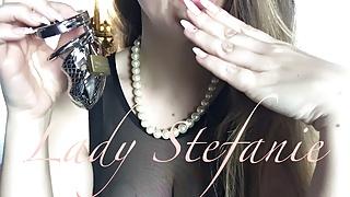 Preview: Lady Stefanie - Chastity + IOU