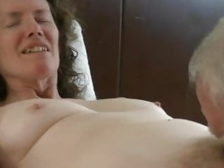 Hairy and geographic tongue - Linda gets a tonguing