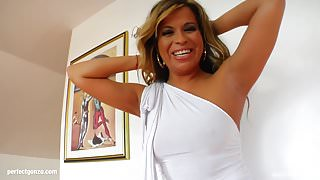 MILF mature hottie Afrodite fucked hard in gonzo style at
