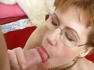 Mom likes to suck cock Mature likes to suck cock