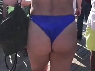 Bikini girl on american idol College bikini girl
