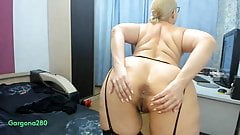Russian anal bitch wants to satisfy her big holes