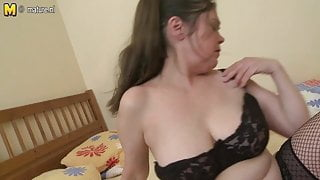 Granny showing her old pussy