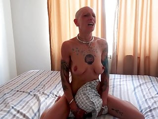 Slut on her knees - Slut vilja goes down on her knees for a quick sloppy blowjob