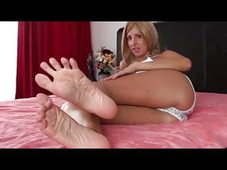 Barefoot fetish directory Barefoot blonde milf teases with buttery soft feeties - joi