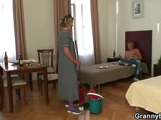 Older pussy filled with cock Mature housemaid gets her pussy filled with cock