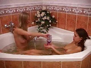 Kelly deja lesbian bath - Lesbian bath time