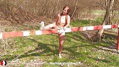 Deutsche Amateurin wird im Park gefickt