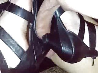 Xxx owning a pussy Juicy owning a cock with heels
